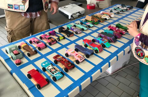 Girl cars Pinewood Derby 2018 _IMG_7335
